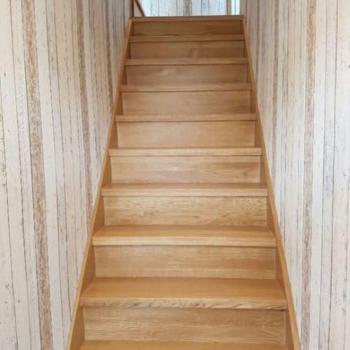 Constructional Glue Back Oak Veneer 250mm - sold per running metre